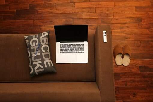 Entenda 4 utilidades para praticar um dos cursos livres online
